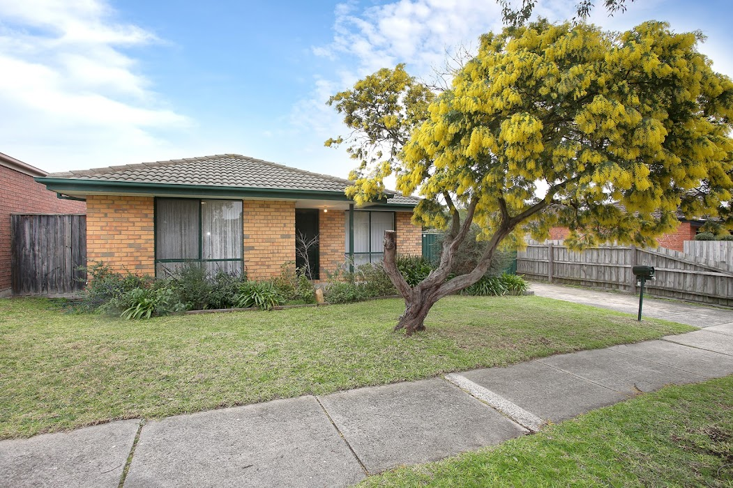 Main photo of property at 19 Rundle Drive, Carrum Downs 3201