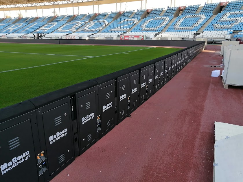 Los paneles LED ya están en el Estadio
