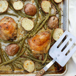 {5 Minute} Sheet Pan Chicken Thighs with Green Beans and Potatoes.