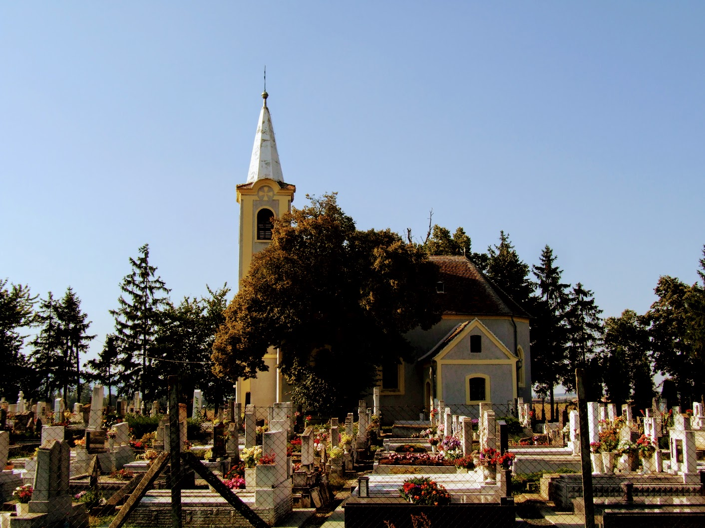 Lukácsháza - Nagycsömötei Szent Rókus és Sebestyén temetőkápolna