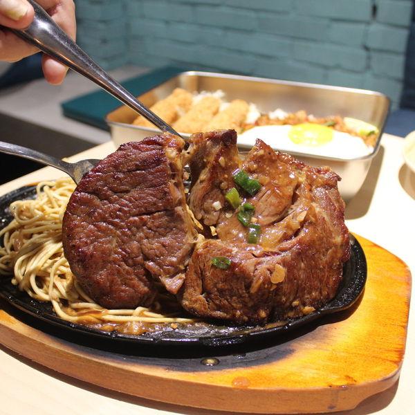 蘇坤蔚牛排-台中一中街牛排新選擇,平價吃飽好去處