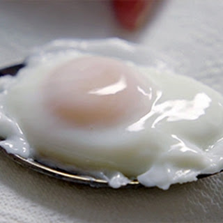 Poached Eggs with Souffléd Welsh Rarebit