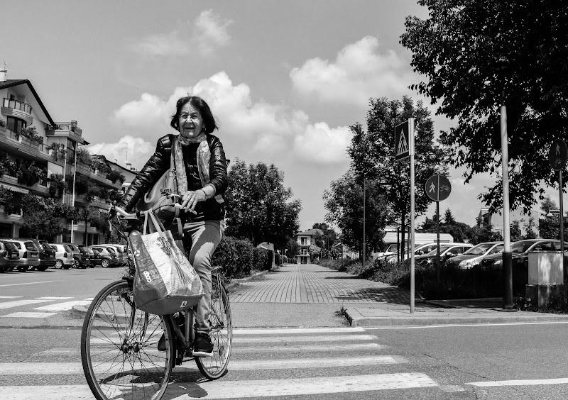 Pedalando in bicicletta di Rebecca97