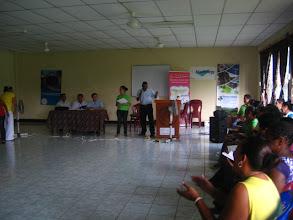 Photo: Ing. Lucett Martínez  Representante del Ministerio de Energía y Minas Realiza entrega de Certificados por la Participación de los 80 Docentes de las Comunidades de Rama, Bluefields y Laguna de Perlas /RAAS