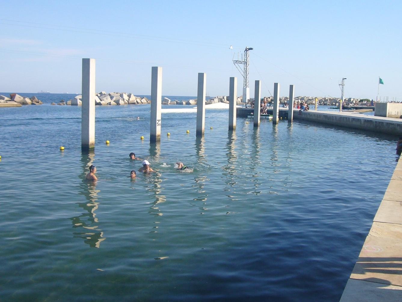 zona de banys del fòrum swimming pool sea