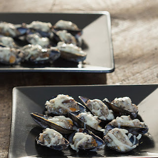 Broiled Mussels with Mushroom Cream Sauce.