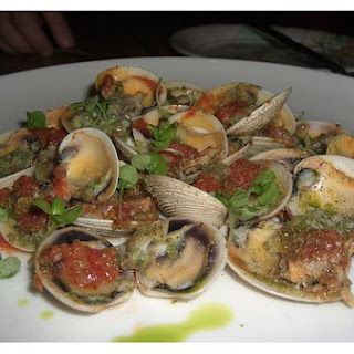 Baked Clams With Garlic Butter.