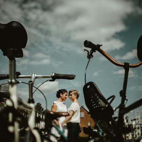 Wedding photographer Attila Hajos (hajos). Photo of 25.10.2018