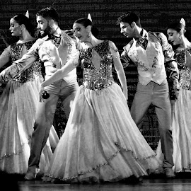 Flamenco by Tomasz Budziak - People Musicians & Entertainers ( entertainers, spain, dancers, people )