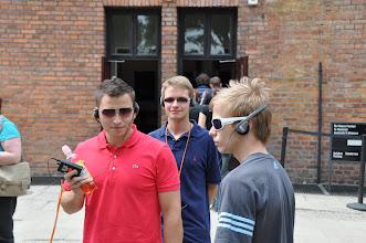 Photo: Dějepisná exkurze Auschwitz-Birkenau (sobota 11. červen 2011). Čekání na zahájení prohlídky.
