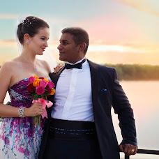 Wedding photographer Elena Karpova (DeyaToris). Photo of 09.08.2015