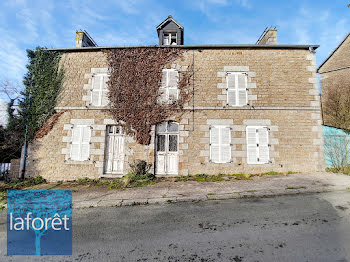 maison à La Selle-en-Coglès (35)