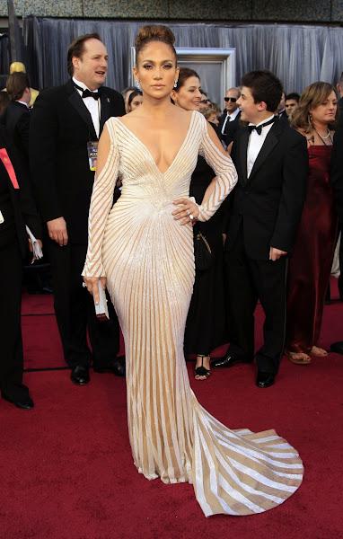 Photo: Jennifer Lopez in Zuhair Murad