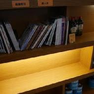 SECOND FLOOR CAFE 貳樓餐廳(高雄店)