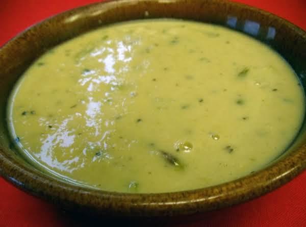 Creamy Vegan Asparagus Soup Recipe