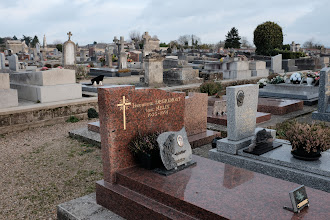 Photo: Vincent Van Gogh is buried in this beautiful cemetery