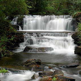 Lake Heather Falls by Alabama Photos - Landscapes Waterscapes ( waterfall )