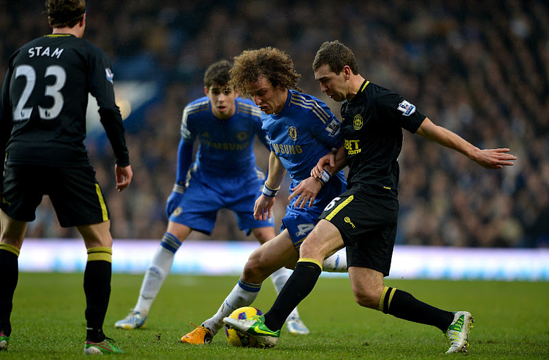 Photo: David Luiz battling for the ball