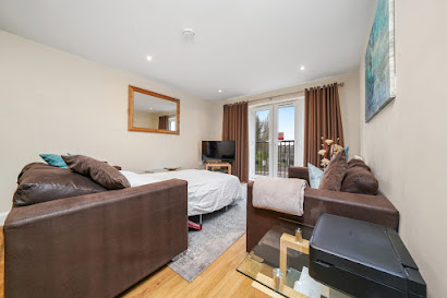 Stanwell Apartments near LHR Airport - Staines