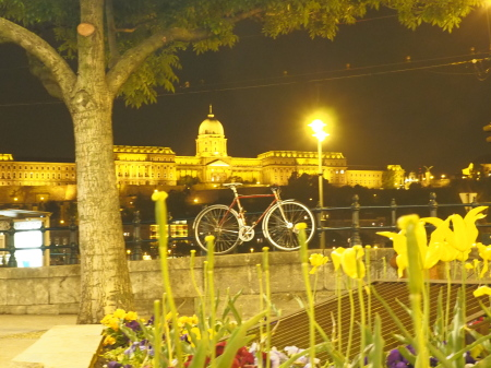 dove ti parcheggio la bici a Budapest!! di Marina Ingino ph