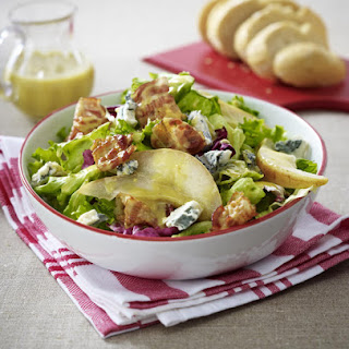 Gorgonzola, Pear and Bacon Salad