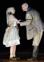 Photo: WIEN/ Burgtheater: WASSA SCHELESNOWA von Maxim Gorki. Premiere22.10.2015. Inszenierung: Andreas Kriegenburg. Alina Fritsch, Dietmar König. Copyright: Barbara Zeininger