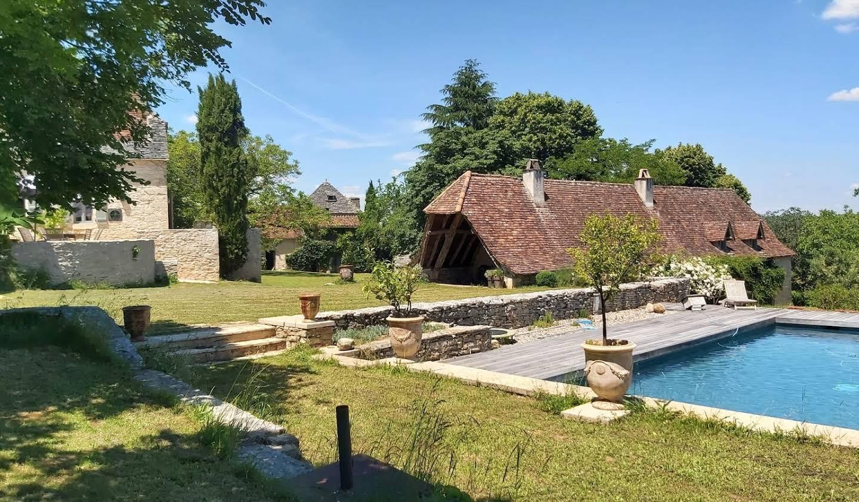 Propriété avec piscine et jardin Cajarc