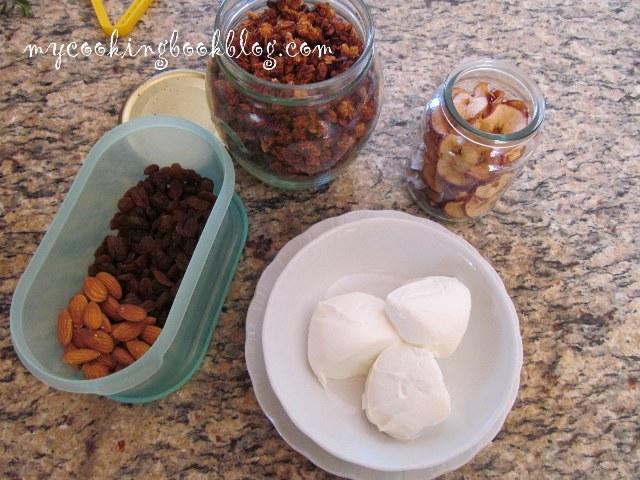 Гранола с фъстъчено масло, мед, канела и кокосови стърготини