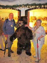 Photo: Hermann und Hilde mit Teddy