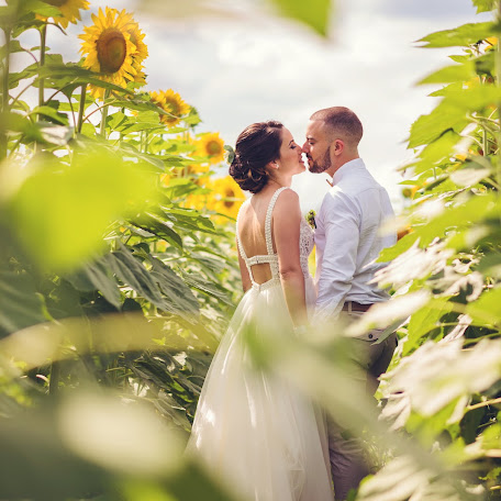Wedding photographer Toni Perec (perec). Photo of 19.02.2019