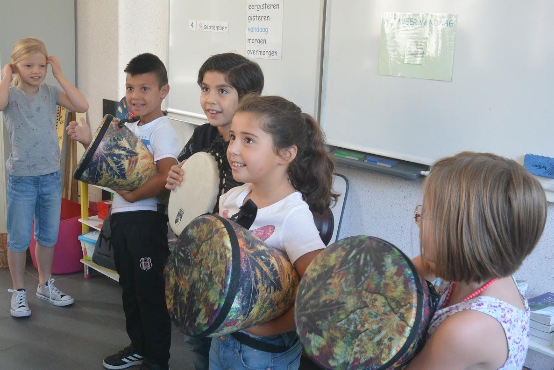 Bezoek van de academie voor muziek.