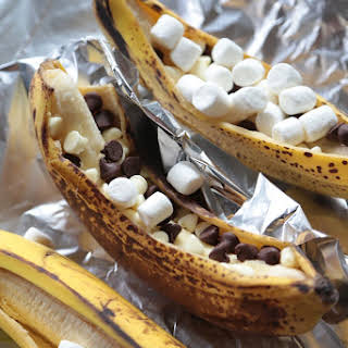 10 Minute Grilled Banana Boats.