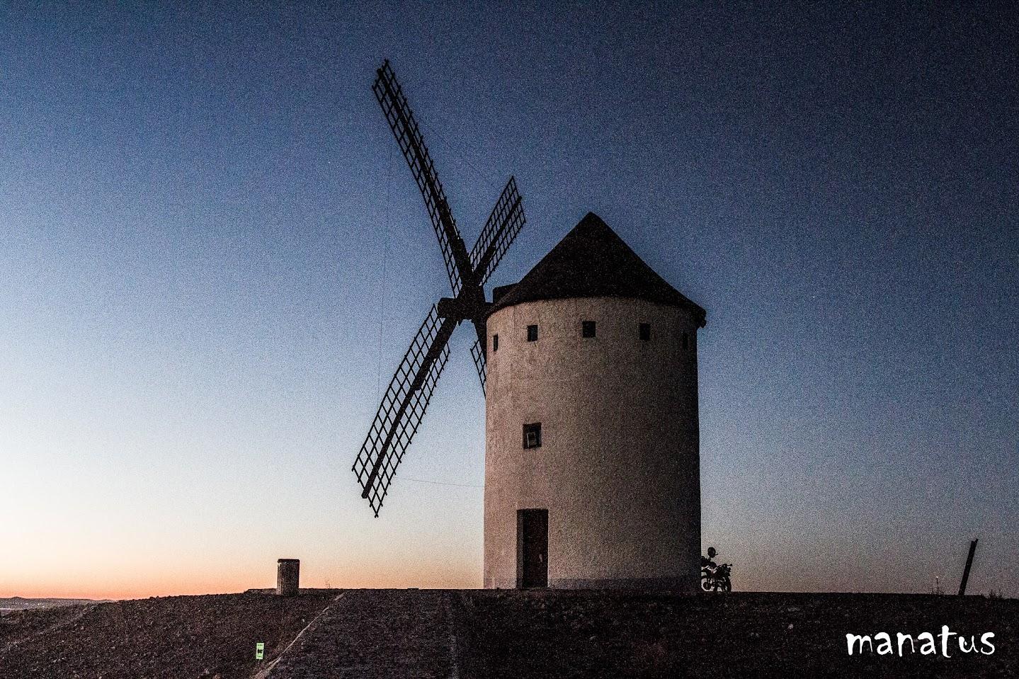 manatus molino de viento