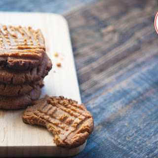Low Carb Peanut Butter Cookies.