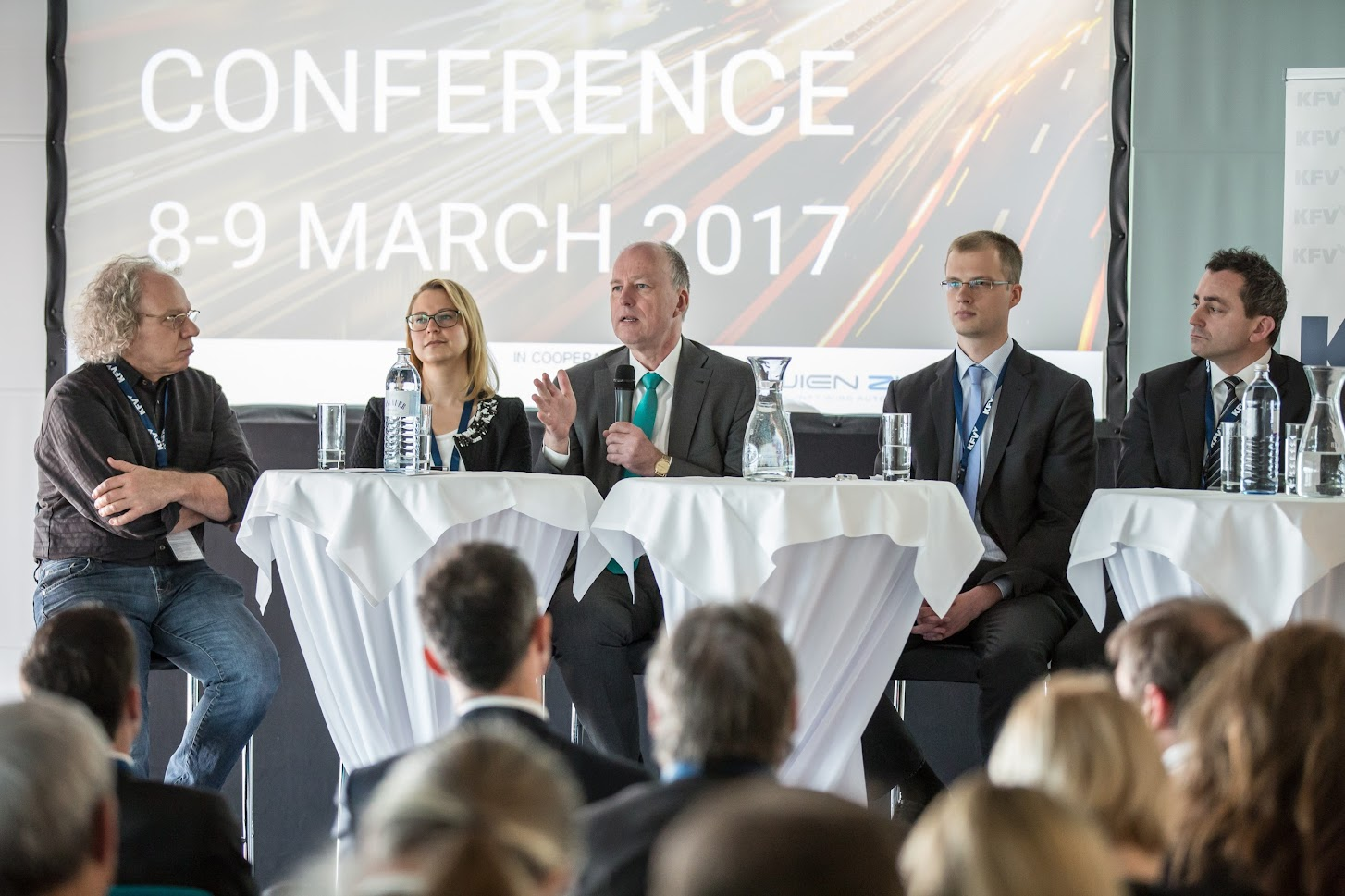 Paneldiskussion mit Alexander Mankowsky, Sabine Kühschelm, Dr. Othmar Thann, Gerhard Menzel, Martin Russ © KFV/APA