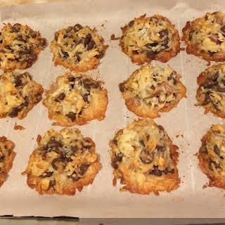 4 Ingredient Almond Joy Cookies.