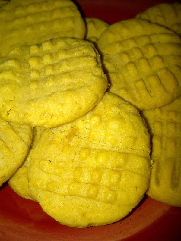 The Easiest Peanut Butter Cookies I Ever Made!