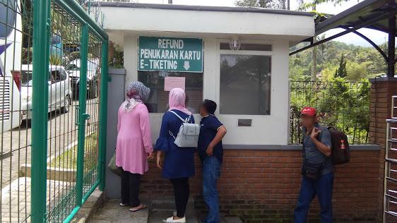 Loket refund e-tiket di pemandian air panas alam Sari Ater