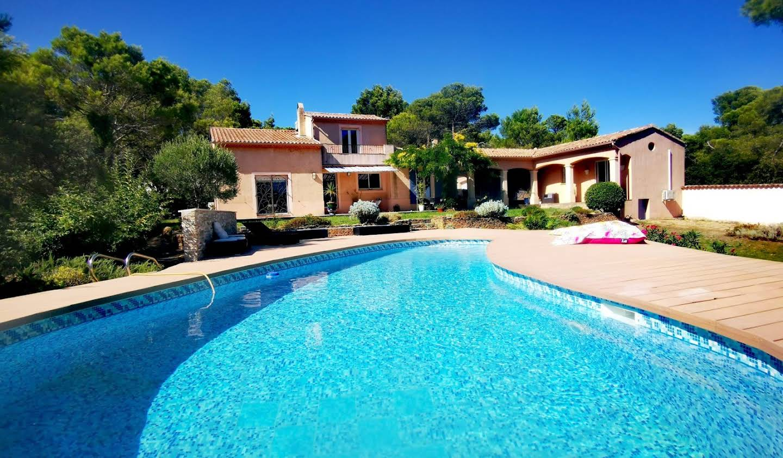 Villa avec piscine et terrasse Uchaux