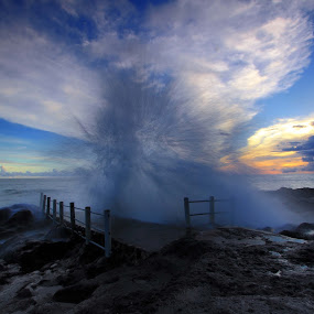 splash by Agus Eka Kurniawan - Landscapes Waterscapes