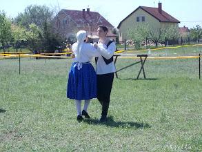 Photo: Ropják a táncot