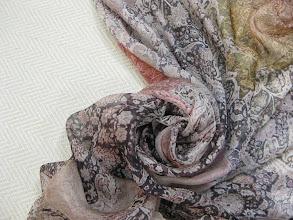 Photo: Ткань :Шифон нат.шелк ш.140см.цена2900руб. Ткань :Шанель (шерсть ,хлопок ,люрекс)ш.140см.цена 5000руб.