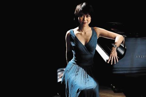 Sexy Yuja Wang - Hot 12 Pics   Beautiful, Sexiest