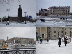 Photo: Stockholm : hoofdstad (stadhuis, parlement, koninklijk paleis & wacht)