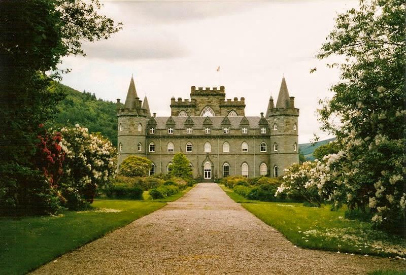 В замке Инверорой богатая коллекция антиквариата