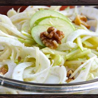 Crisp and Refreshing Apple, Fennel and Walnut Salad with Apple Cider Vinaigrette Recipe