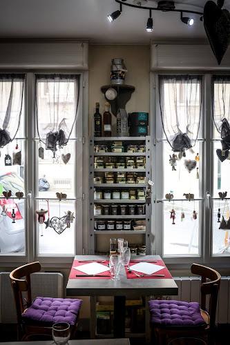 Etagère du restaurant à Pontoise L'arbre Blanc