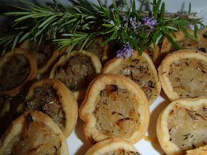 Photo: Pissaladière (tarte oignons, anchois)