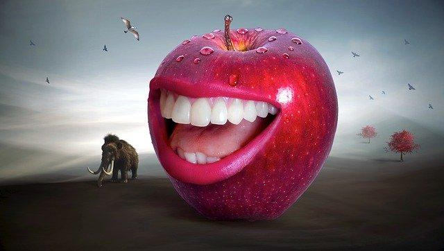 A picture containing apple, fruit  Description automatically generated