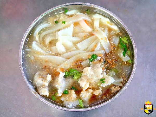 台南麵店/傳統古早味飄香50年/市場隱藏版美食/沒有老饕帶路找不到/在地人從小吃到大/價格親民料多實在